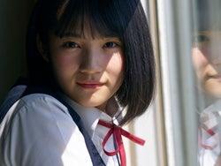 """モデルプレス - """"話題の美少女""""AKB48矢作萌夏、ソロで初抜てき「とても光栄」"""