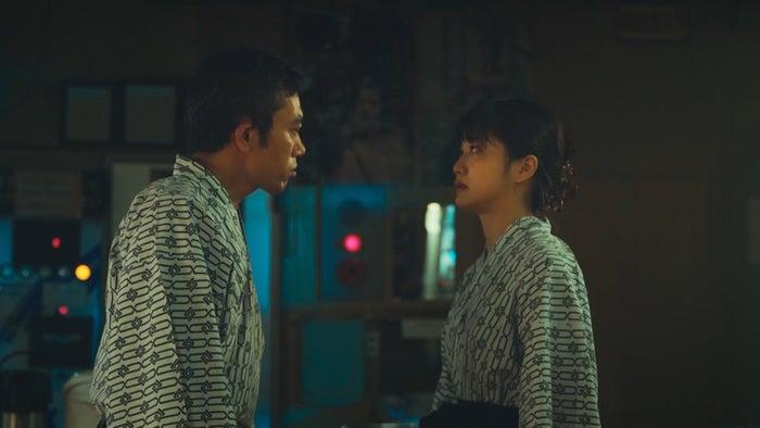 高橋和也、深川麻衣/「日本ボロ宿紀行」第1話より(C)テレビ東京