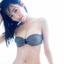 NMB48横野すみれ、48グループ史上最高ボディ弾ける水着姿披露