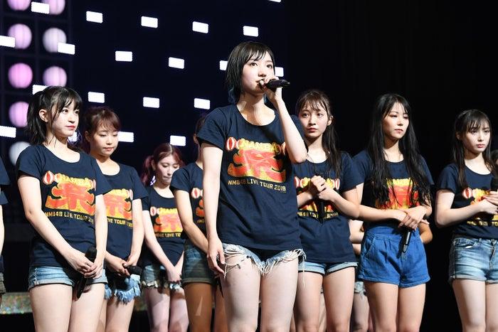 卒業を発表した太田夢莉(中央)「NMB48 LIVE TOUR 2019 ~NAMBA祭~」(C)NMB48