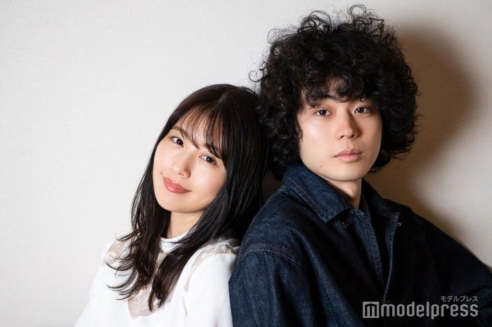 モデルプレスのインタビューに応じた有村架純、菅田将暉(C)モデルプレス