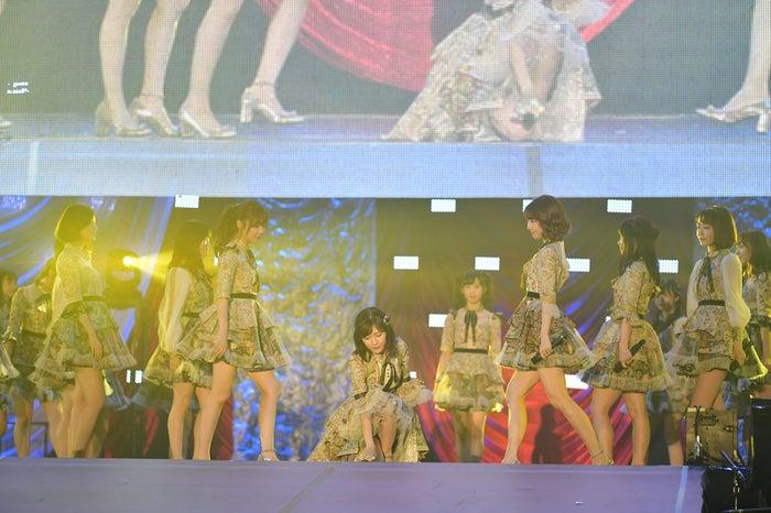 「AKB48グループ感謝祭~ランクインコンサート~(1~16位)」より(C)AKS