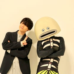Da-iCE岩岡徹プロデュースのキャラクター「かべちょろ」、千葉ロッテマリーンズ「謎の魚」とコラボグッズ販売決定。