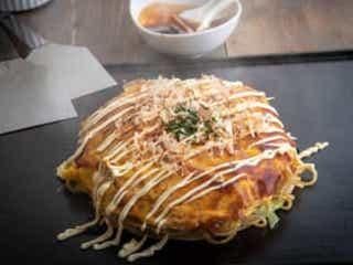 """『ケンミンSHOW』岡山の美食""""カキオコ""""とは? その正体が話題に 23日放送の『秘密のケンミンSHOW』では、岡山県名物""""カキオコ""""を特集。ネットで話題に。"""