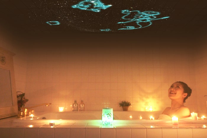 お風呂タイムをロマンチックに♡(写真提供:セガトイズ/モデル:志村彩佳)