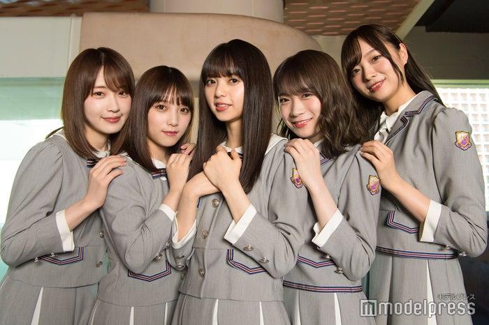 (左から)高山一実、与田祐希、齋藤飛鳥、秋元真夏、梅澤美波(C)モデルプレス