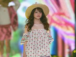 「Ranzuki」ちぃぽぽ、ストローハット×小花柄ワンピでランウェイをラブリーに彩る<関コレ2016S/S>