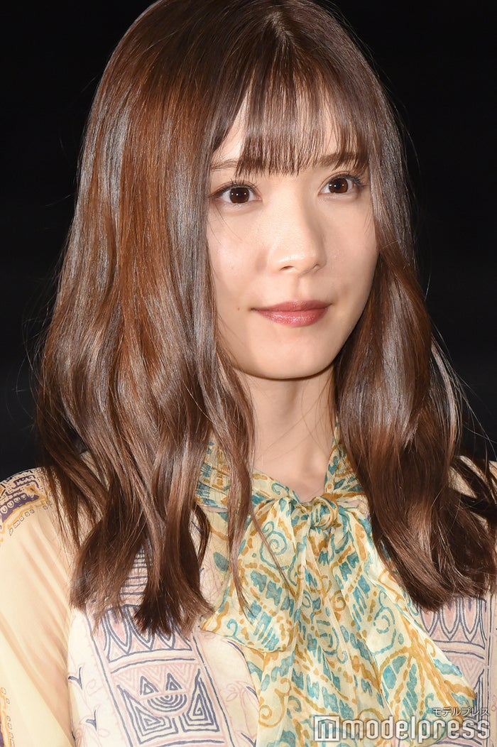 松岡茉優 ブラウンリップが主役の こなれ顔 メイクに注目 ヘアメイク ファッション分析 モデルプレス