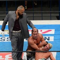 """新日本G1・オスプレイが""""兄貴""""オカダから裏切りの勝利「倒す準備はできていた」"""