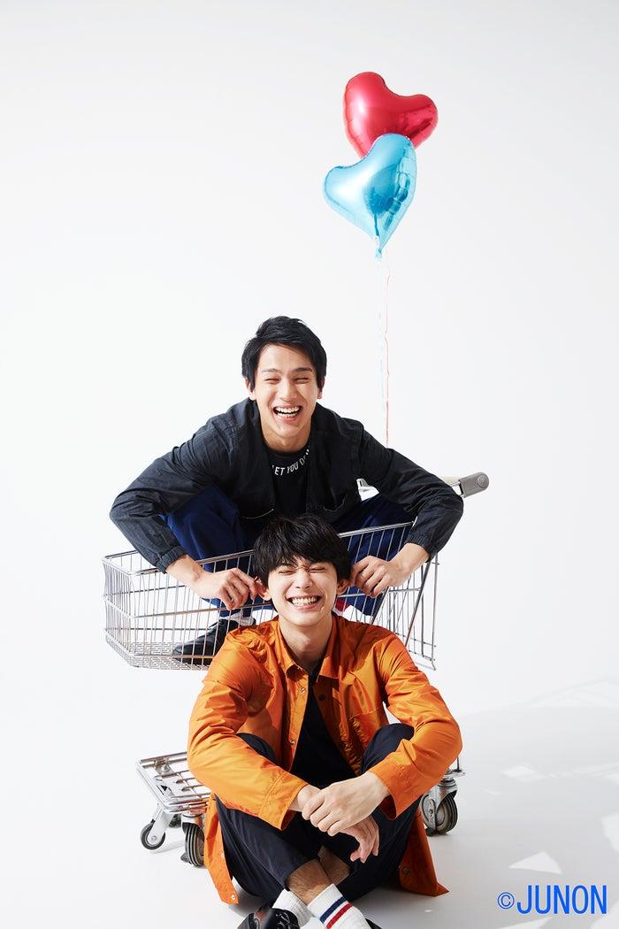 吉沢亮、中川大志/「JUNON」9月号より(画像提供:主婦と生活社)