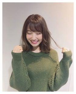 新ヘアを披露した衛藤美彩/衛藤美彩オフィシャルブログより