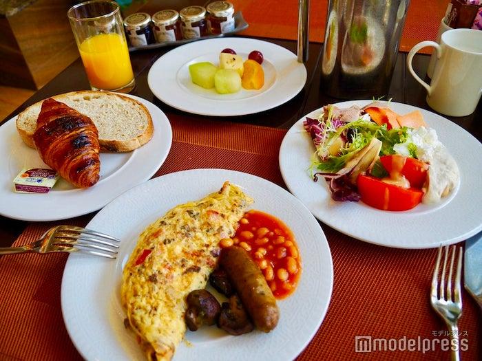 美味しい朝食を食べられるのはホテルの醍醐味(C)モデルプレス