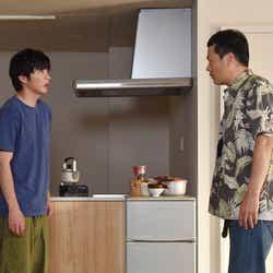 田中圭、田中哲司/「あなたの番です」第17話より(C)日本テレビ