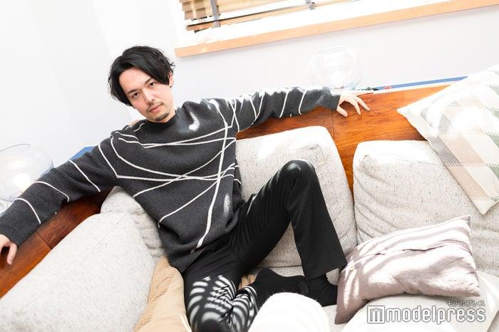 新野俊幸/撮影はすでに様々なドラマを生んでいるプレイルームにて(C)モデルプレス