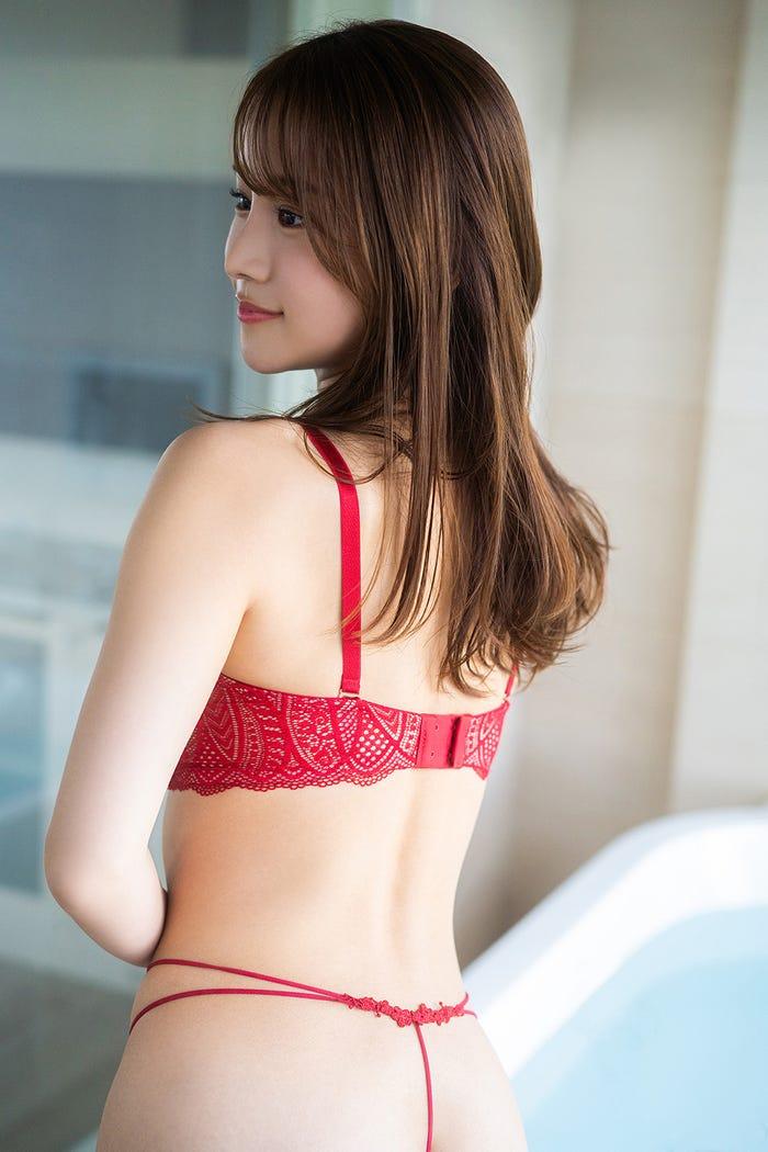嬉野ゆみ(C)KADOKAWA  (C)URESHINO YUMI PHOTO/MAKINO SHOTA