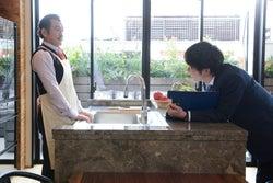 吉田鋼太郎、田中圭/「おっさんずラブ」第6話より(C)テレビ朝日