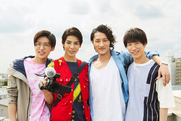 (左から)目黒蓮、ラウール、岩本照、 渡辺翔太(C)NTV・J Storm