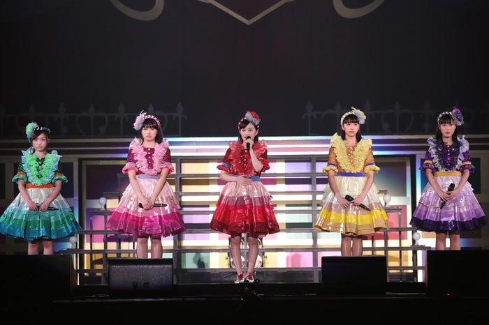 横浜アリーナで行われたライブ「ももクロくらぶxoxo~バレンタインDE NIGHT だぁ~Z!2017〈バレンタイン・裏〉」前にメンバーの百田夏菜子が涙で追悼コメント(提供写真)