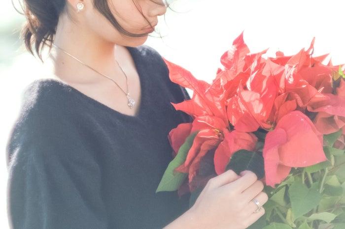 【共感】長女の恋愛傾向あるある10個「甘え下手」「惚れっぽい」/Photo by ぱくたそ