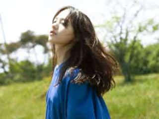 清原果耶 Cocco書き下ろしの楽曲を歌唱「身体中が温かい空気に包まれる感覚」
