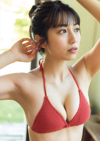 「ミスマガジン2018」審査員特別賞・佐藤あいり、ビキニで魅力放出