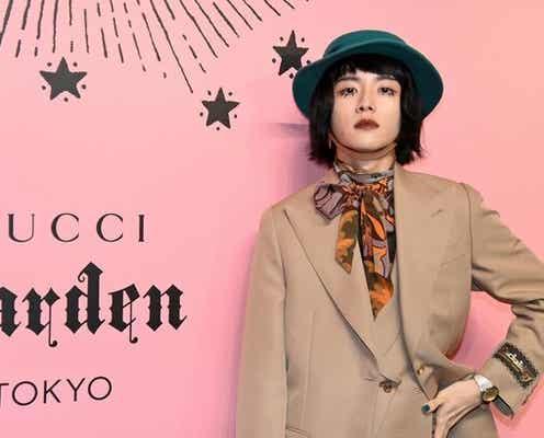 板垣李光人、シンプルな色味のジャケットスタイルで「足元とハットとバッグで遊び心を入れました」