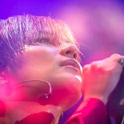 モデルプレス - SHINeeテミン、初の全国ソロツアー開幕 初披露の7曲にファン熱狂 サプライズ発表も<セットリスト>