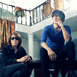B'z、YouTubeで「神セッション」とネット騒然「HOME」披露でAt Your Homeメッセージ