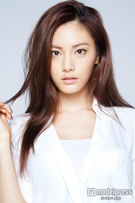 2014年「世界で最も美しい顔100人」1位のAFTERSCHOOL・Nana
