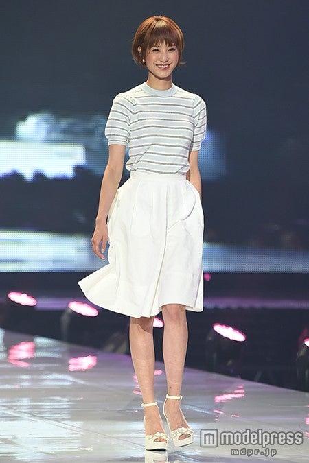 出岡美咲 (C)モデルプレス