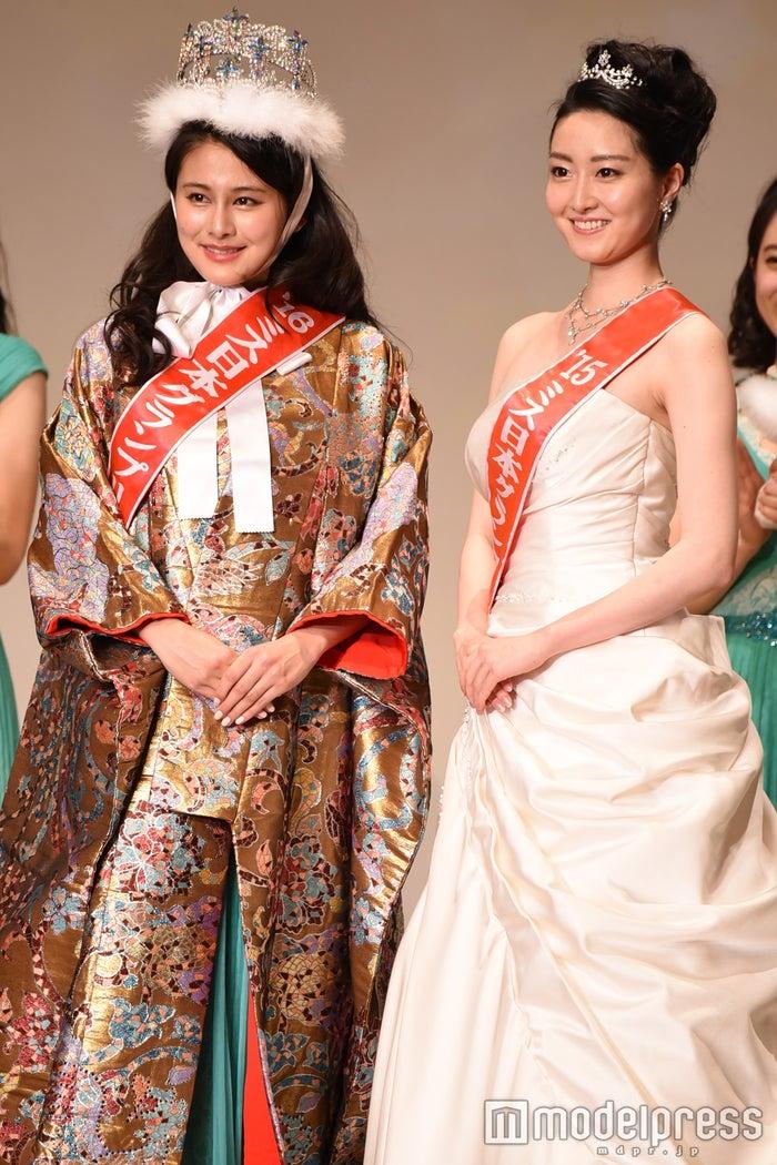 (左)松野未佳さん(C)モデルプレス