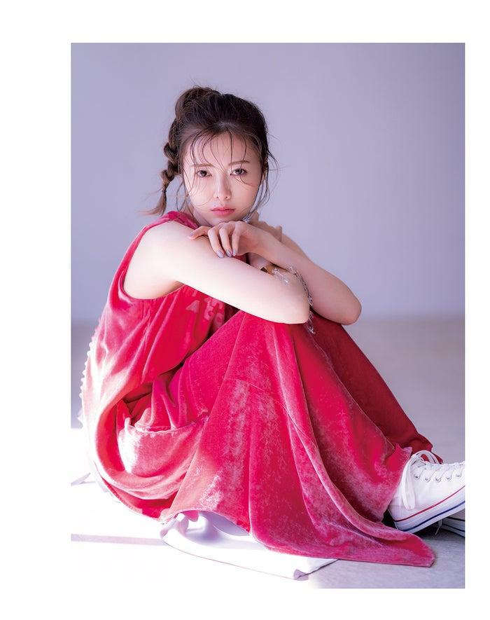 白石麻衣/「sweet」6月号(宝島社:提供画像)