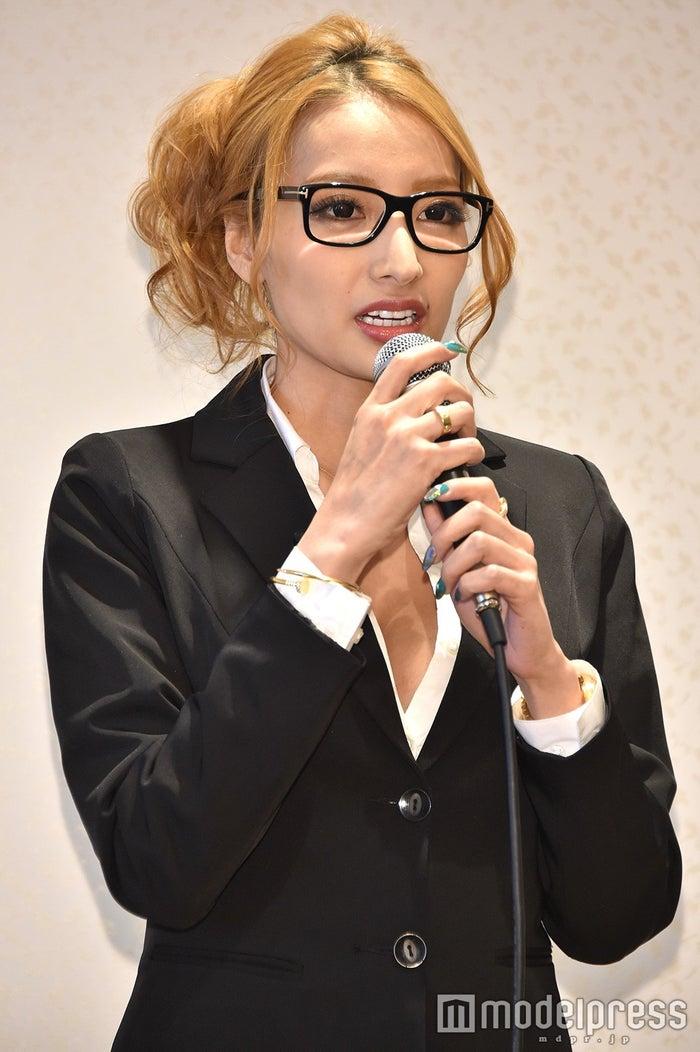 加藤紗里 (C)モデルプレス