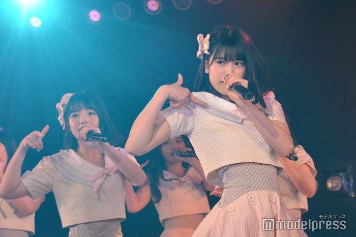 高橋彩音、吉川七瀬/AKB48チーム8「その雫は、未来へと繋がる虹になる。」公演 (C)モデルプレス