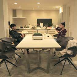 健司、春花「TERRACE HOUSE TOKYO 2019-2020」4th WEEK(C)フジテレビ/イースト・エンタテインメント