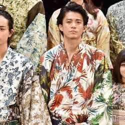 映画『銀魂』ジャパンプレミアに登壇した(左から)菅田将暉、小栗旬、橋本環奈 (C)モデルプレス
