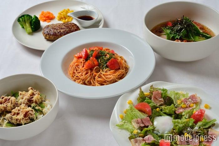 ヘルシーな野菜系からガッツリ食べたい時の肉料理まで種類豊富/画像提供:リ・ラックスパシンジュク