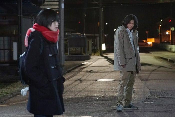 (左から)平手友梨奈、小栗旬(C)2018映画「響 -HIBIKI-」製作委員会(C)柳本光晴/小学館