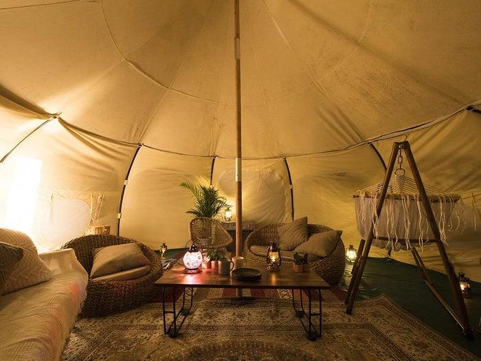テント内も広々!おしゃれな空間です (提供写真)