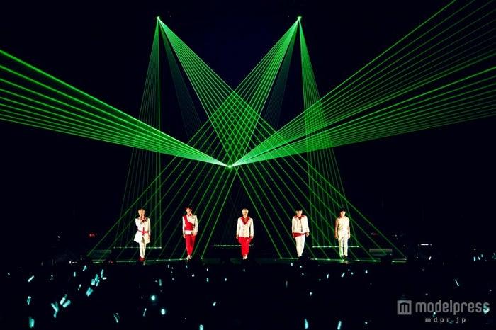 「JAPAN ARENA TOUR SHINee WORLD 2013 ~Boys Meet U~」ファイナル公演