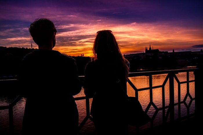 言動に気をつけて良好な関係を築こう!/photo by GAHAG
