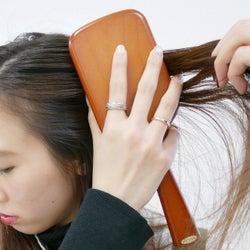 今すぐ見直したい!髪が生まれ変わる《正しいブラッシング》のやり方