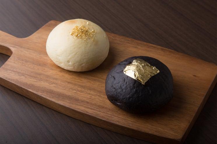 京都にはちみつ屋考案のクリームパン専門店「キンイロ」、金箔貼りで高級感漂う