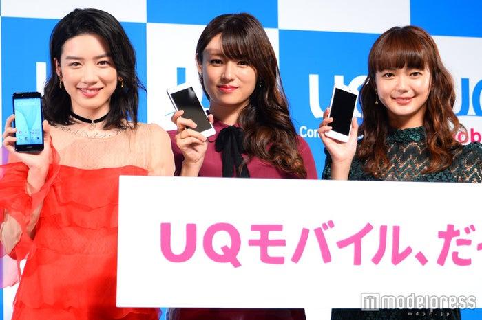 (左から)永野芽郁、深田恭子、多部未華子(C)モデルプレス