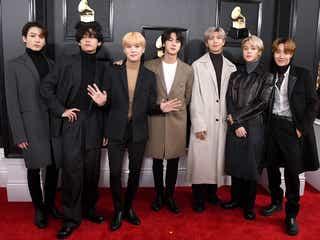 BTS「グラミー賞」レッドカーペットで日本ファンにメッセージも「来年こそは…」