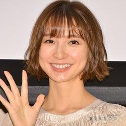 篠田麻里子、妊娠発表後初の公の場 性別聞かれ共演者に無茶振り