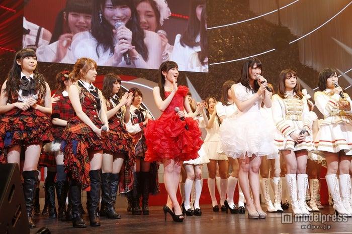 「第3回 AKB48紅白対抗歌合戦」オープニング(C)AKS
