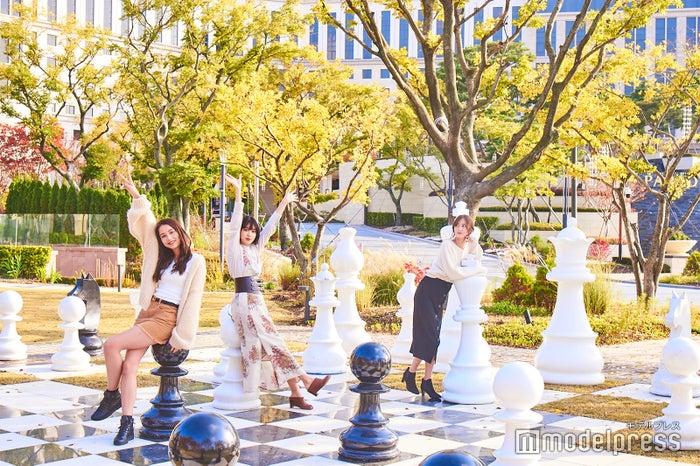 (左から)Niki、松本愛、加藤雛(C)モデルプレス