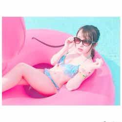 モデルプレス - AKB48向井地美音ら、ビキニでプール満喫 眩しいプライベートショットに「遭遇したい」の声殺到