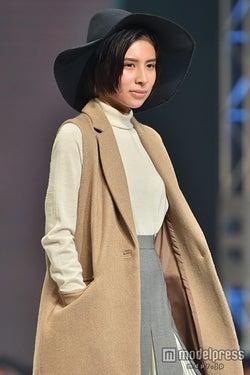 モデルプレス - ラブリが私服センスNo.1に決定「誰にも真似ができないファッション」と専門家脱帽